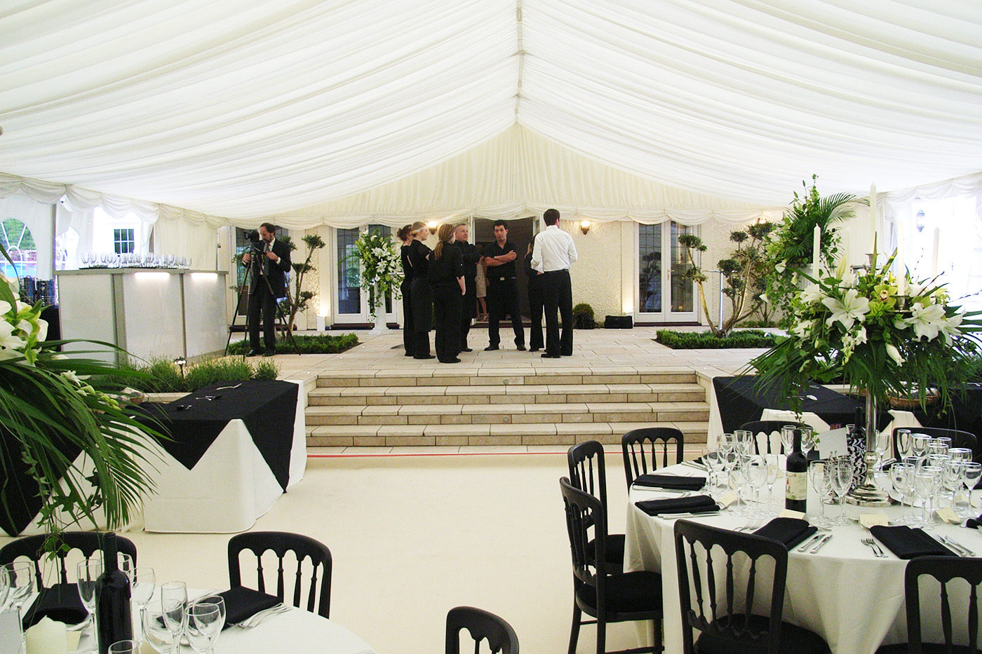 Wedding marquee decoration ideas deluxe home design for Asian wedding decoration hire
